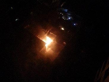 В Баку сгорел частный дом - ФОТО