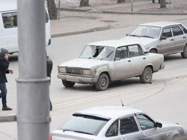 Paytaxtda avtomobil radar dirəyinə çırpıldı