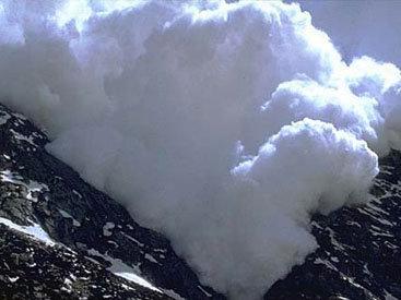 Под лавиной во Французских Альпах погибли семь человек