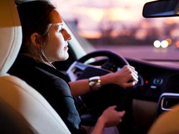 В Баку женщины-водители порой совершают грубые нарушения