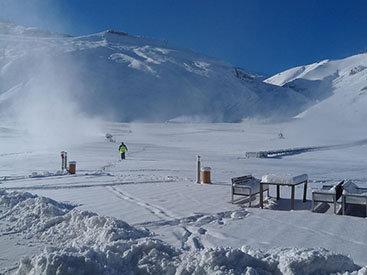 Горнолыжный курорт Азербайджана в снежных объятиях - ФОТО