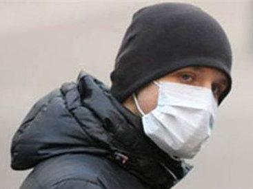 Медицинская маска: чем она так пугает бакинцев - ОПРОС