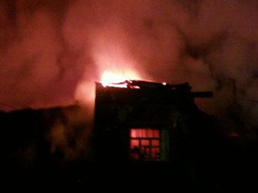 В Ясамале в жилом здании произошел пожар - ОБНОВЛЕНО