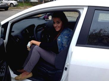 """Неженское ли это дело - водить машину? Или """"Паркуюсь как могу"""" — ФОТО"""