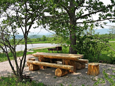 В национальных парках Азербайджана  стало больше мест для пикников