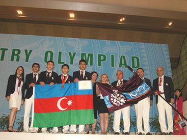 Азербайджан принял флаг Международной химической олимпиады - ФОТО