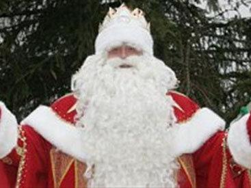 В Баку появился таинственный Дед Мороз