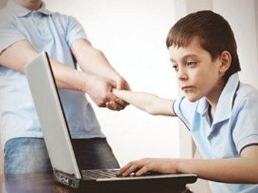 Azyaşlıların İnternetdən istifadəsi məhdudlaşdırılır