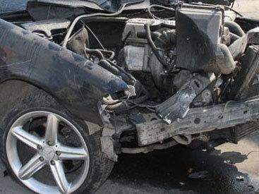 В Товузе Mercedes помял две иномарки: 3 пострадавших