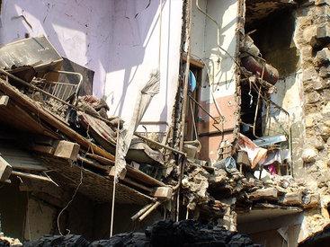 Паника в Египте: один жилой дом рухнул, на других пошли трещины