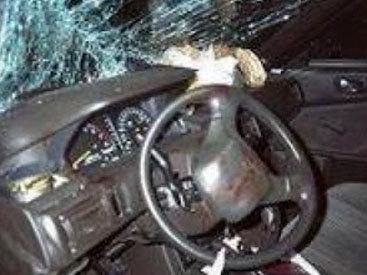İsmayıllıda Mercedes dərəyə yuvarlandı: 1 ölü, 1 yaralı
