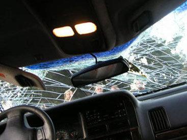 """В столице BMW врезался в """"ГАЗ-53"""", есть погибший"""