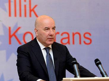 Эльман Рустамов недоволен действиями банков
