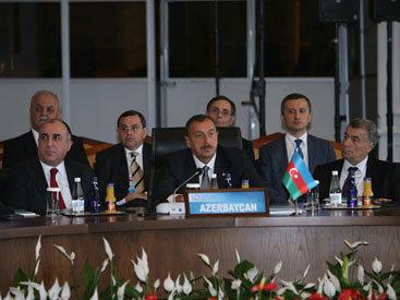 """Президент Ильхам Алиев: """"Желание народов самоопределиться не должно нарушать территориальной целостности стран"""" - ОБНОВЛЕНО - ФОТО"""