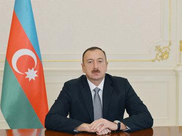 Президент Ильхам Алиев поздравил главу Вьетнама