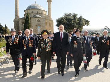Президент Ильхам Алиев принял участие в торжественной церемонии по случаю Дня Победы - ОБНОВЛЕНО - ФОТО