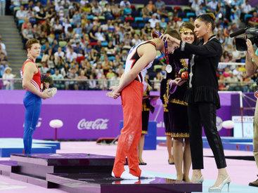 Первая леди Мехрибан Алиева лично наградила победителей мужских соревнований по спортивной гимнастике - ОБНОВЛЕНО - ФОТО - ВИДЕО