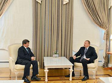 Президент Азербайджана принял главу МИД Турции - ФОТО