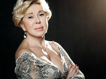 Любовь Успенская шокировала тонкой талией на концерте в Баку