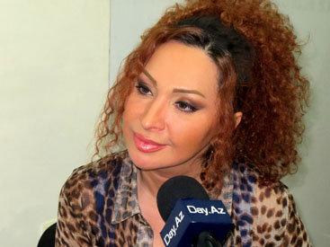 Азербайджанская телеведущая вывела в свет мужа - ФОТО