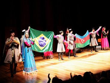 Жителей Рио-де-Жанейро знакомят с азербайджанской культурой - ФОТО