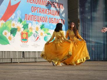 Участники АМОР покорили Липецк азербайджанским танцем - ФОТО