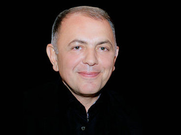 """Адалет Гаджиев: """"За 95-летнюю жизнь театра многие поколения артистов и режиссеров приумножали славу театра"""""""