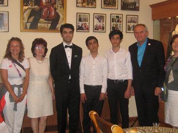 Дом Ростроповичей в Баку посетили гости из Польши - ФОТО