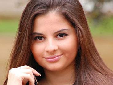 Айнишан Гулиева порадовала поклонников новыми снимками