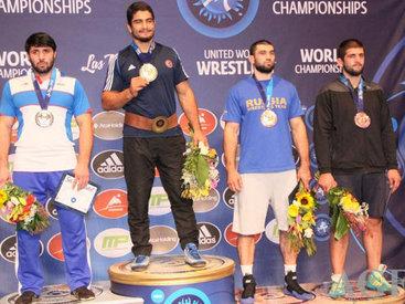 DÇ-2015: Cəmaləddin Olimpiadaya vəsiqə qazandı və gümüş medala sahib oldu - FOTO - VİDEO