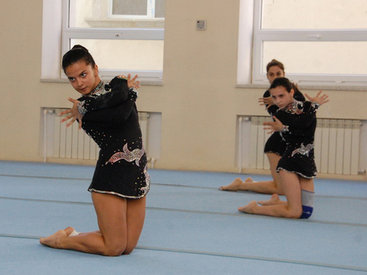 Стартовал чемпионат Баку по акробатической гимнастике - ФОТО