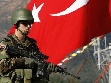 Турция стягивает танки на границу с Сирией