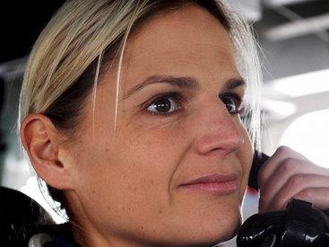 Первая в истории британского ВМФ женщина-капитан уволена