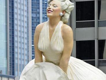 Самая большая статуя Мэрилин Монро перевезена в Калифорнию