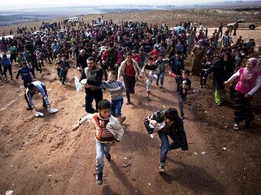 Ситуация накаляется: беженцам закроют путь в Грецию