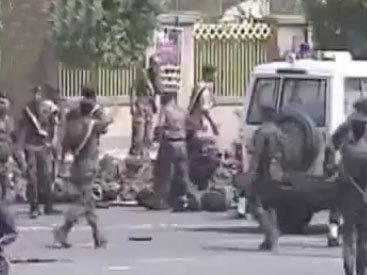 В минобороны Йемена произошел взрыв: около 60 жертв