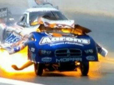 В США на гонках автомобиль взорвался на скорости свыше 400 км/ч - ВИДЕО