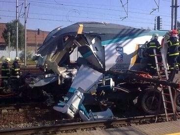 В Чехии поезд столкнулся с грузовиком, есть жертвы