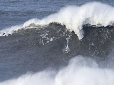 Высота волн на Каспии достигла 3,2 м