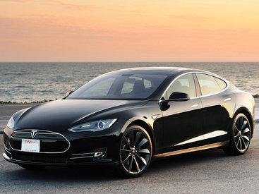 Автомобили Tesla смогут играть в шахматы со своими владельцами