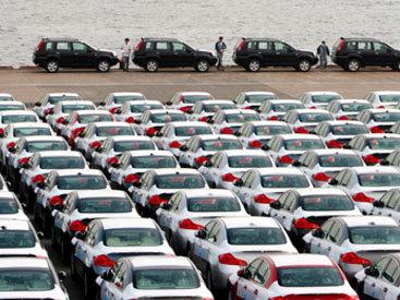 Крупные японские корпорации сокращают производство автомобилей для китайского рынка