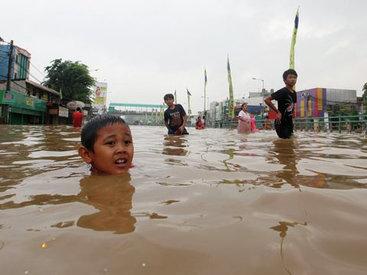 Наводнение в Японии, тысячи эвакуированных