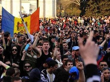 Жители Молдовы снова вышли на улицы