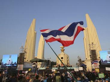 Демонстранты пытались захватить премьера Таиланда