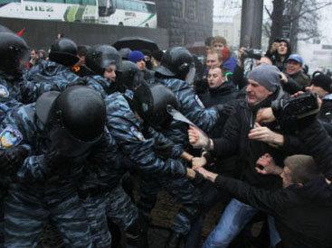 На Майдан в Киеве стянуты все внутренние войска
