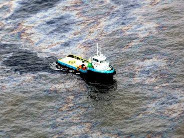 В Мексиканский залив вытекло более 600 тонн нефти