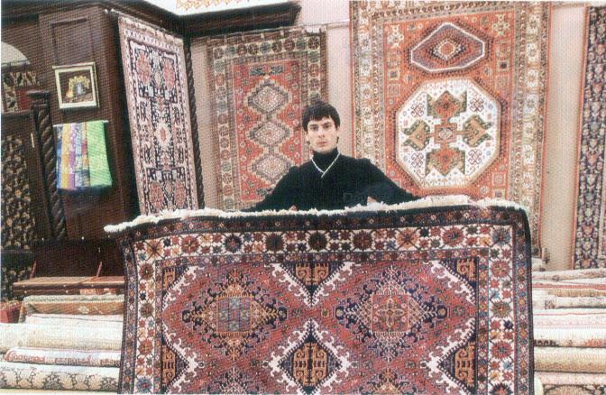 Азербайджанские ковры очаровали англичан - ФОТО
