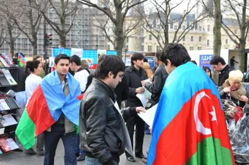 В Париже почтили память жертв Ходжалинского геноцида - ФОТО