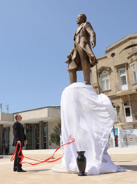Президент Азербайджана принял участие в открытии парка Зивер бека Ахмедбекова - ФОТО