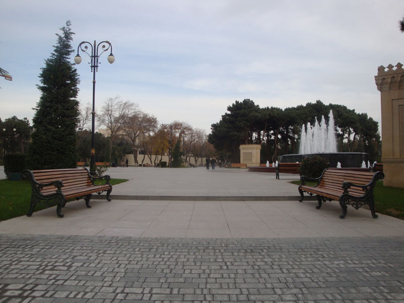 Причудливая геометрия Бакинского бульвара - ФОТОСЕССИЯ